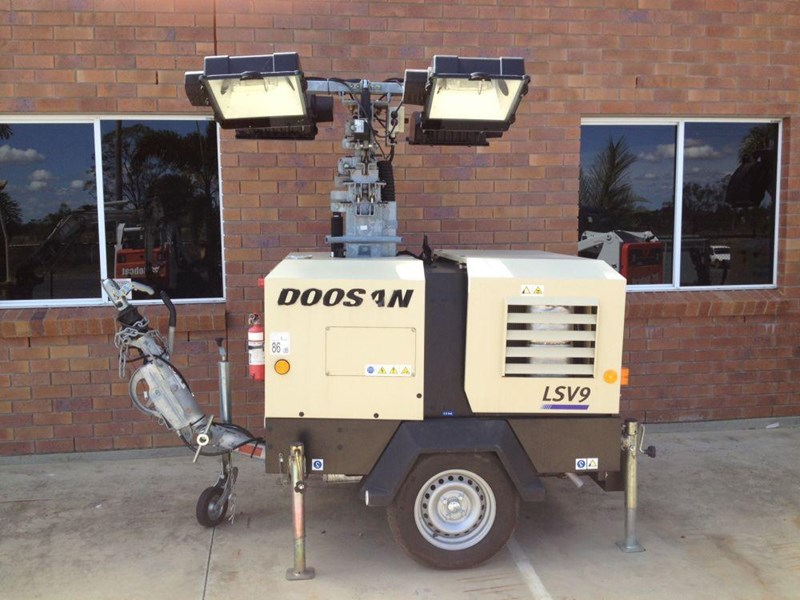 doosan v9 lighting tower 352476 001