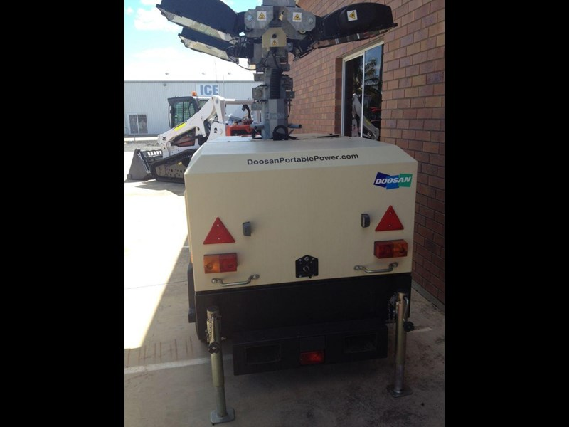 doosan v9 lighting tower 352476 005