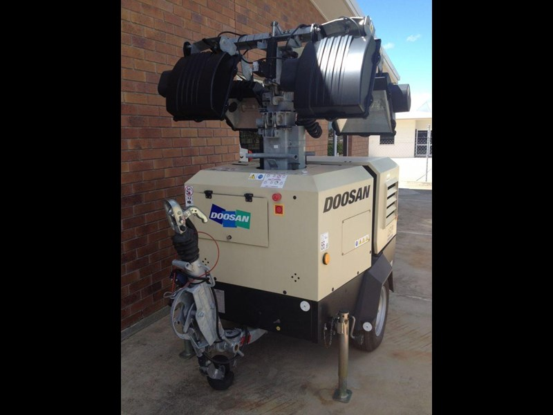 doosan v9 lighting tower 352475 003