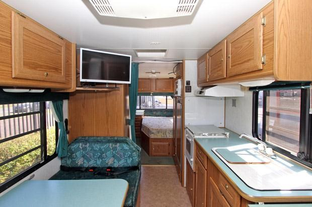 winnebago (avida) wilderness 352351 003