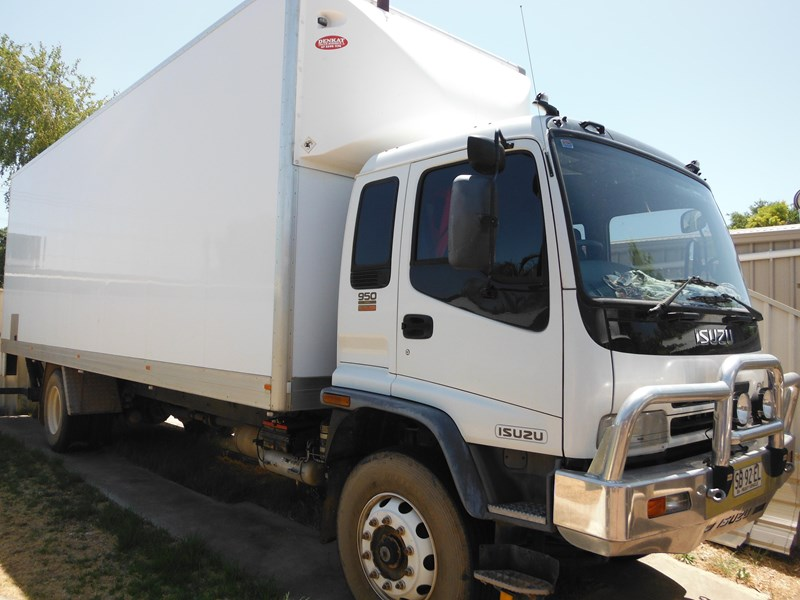 isuzu fvd950 long 354251 001