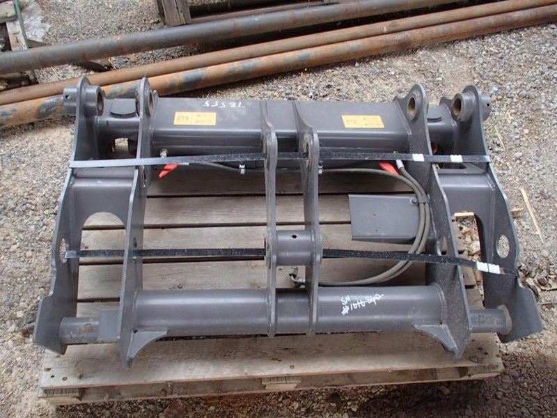 unknown hydraulic quick hitch 355483 001