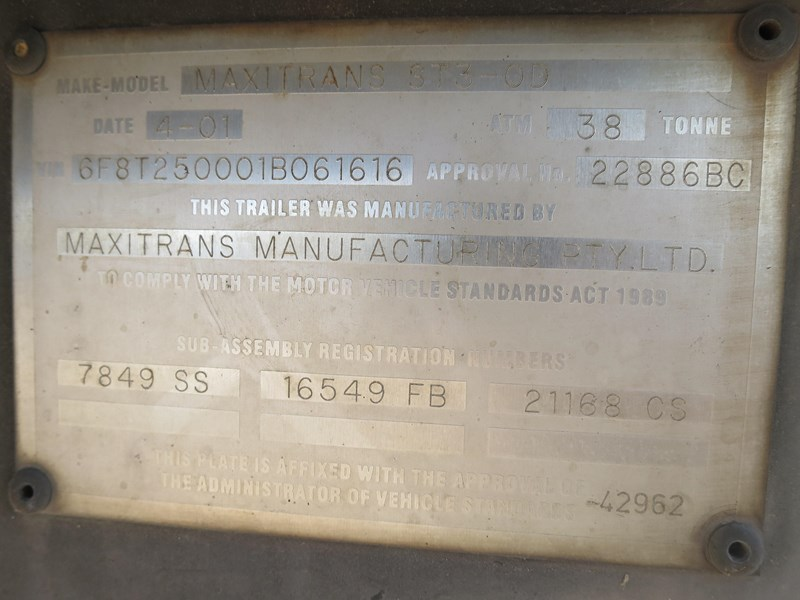 maxitrans st3-od triaxle regrigerated pantech 352897 008
