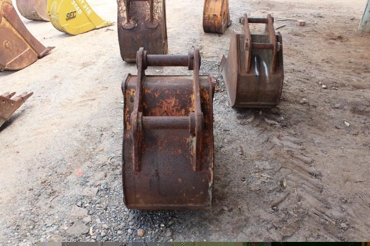 unknown 600mm trench bucket 355636 005