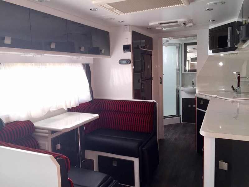 traveller utopia 23' delux ensuite outback 356176 009