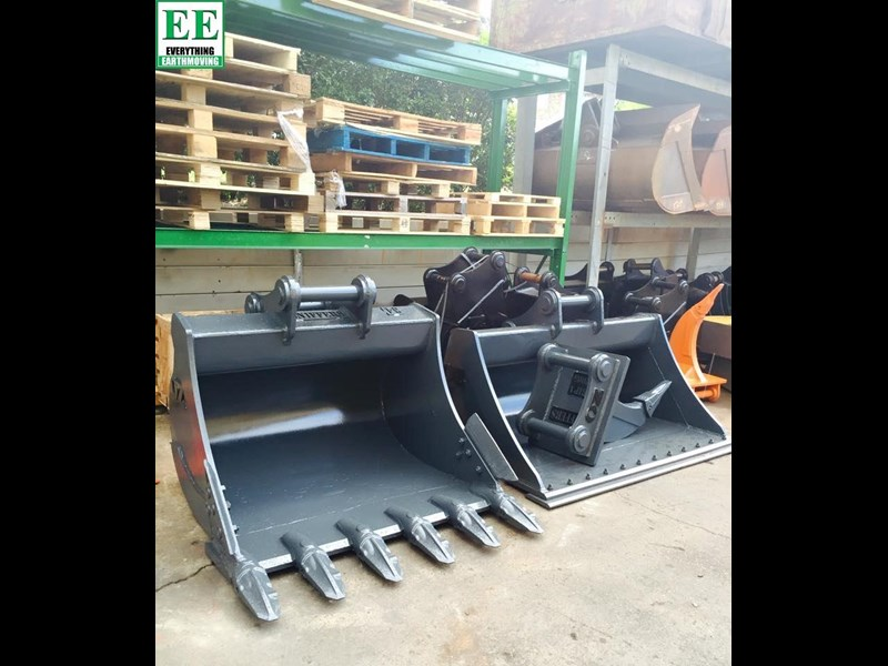case everything earthmoving mini excavator buckets suit cx14, cx15, cx17, cx18 356795 017