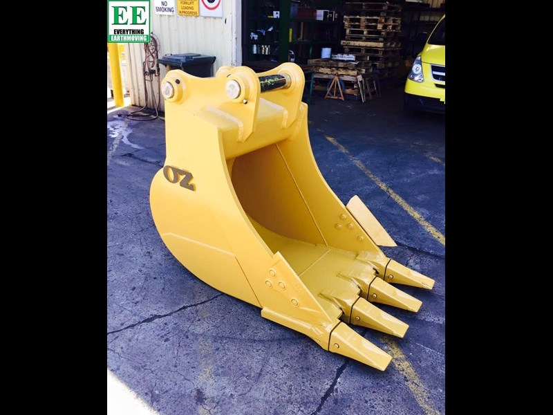 case everything earthmoving mini excavator buckets suit cx14, cx15, cx17, cx18 356795 025