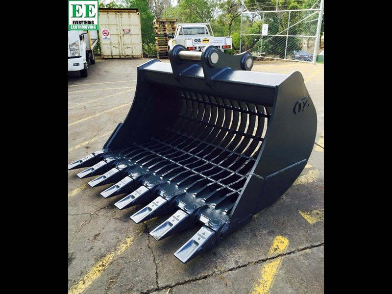 case everything earthmoving mini excavator buckets suit cx14, cx15, cx17, cx18 356795 029