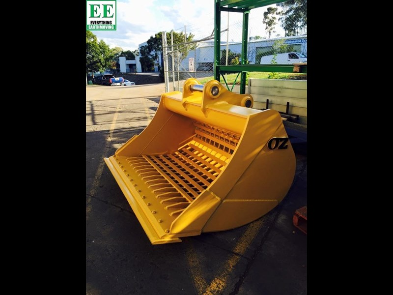 case everything earthmoving mini excavator buckets suit cx14, cx15, cx17, cx18 356795 031