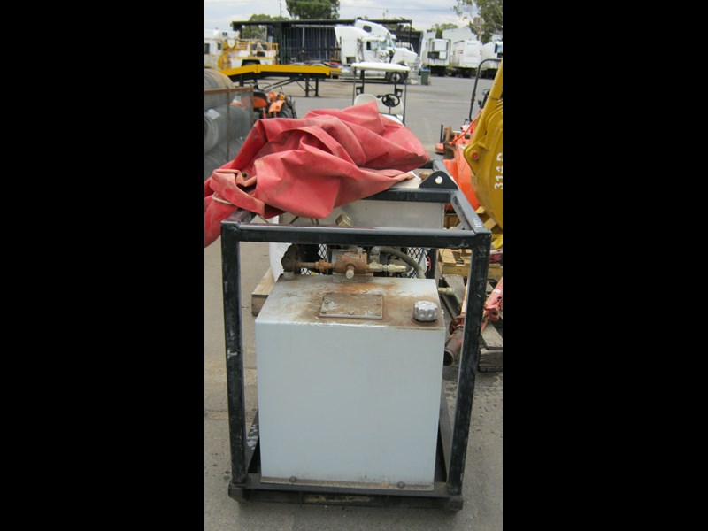 kubota 3 cyl diesel engine - skid mounted power pack 357291 015
