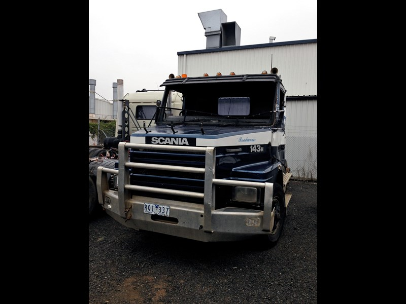 scania t143h 358127 001
