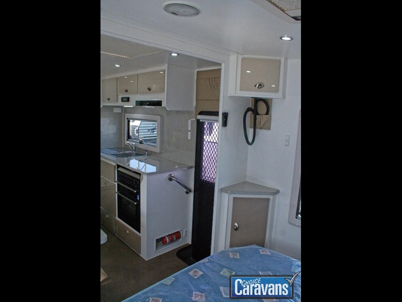 jb caravans dirt roader 19'9 358299 021