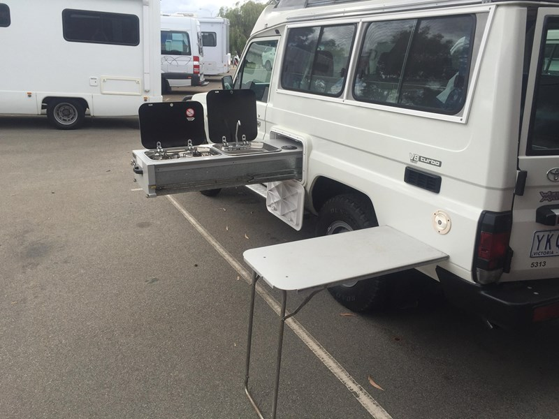 toyota landcruiser challenger pop top 359269 015