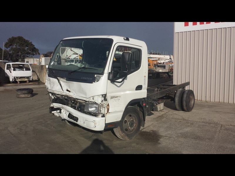 fuso canter 361196 001
