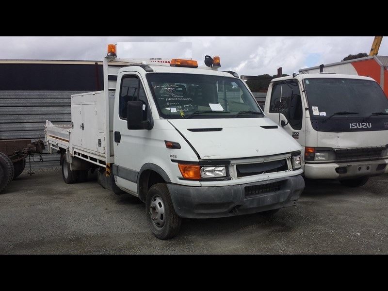 iveco daily 361895 001
