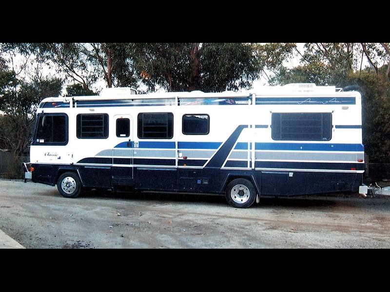 winnebago (avida) 36ft classic 363525 001