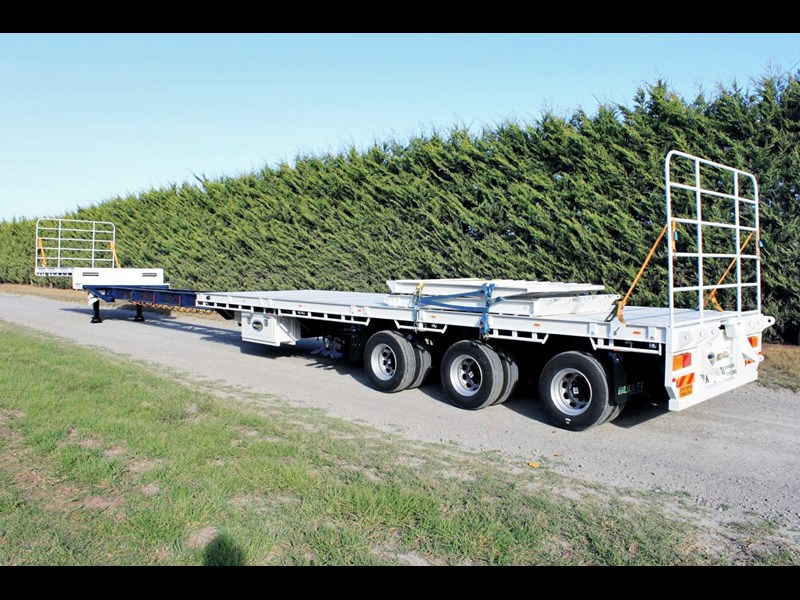 bullet extendable machinery trailer 292113 015