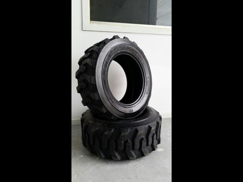 bobcat tyres 10- 16.5 10 ply 334132 003