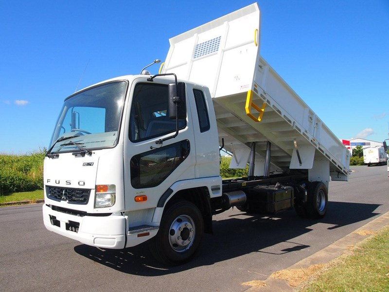 fuso fighter 1024 366000 001