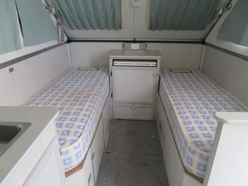 avan cruiseliner pop top caravan 366927 007