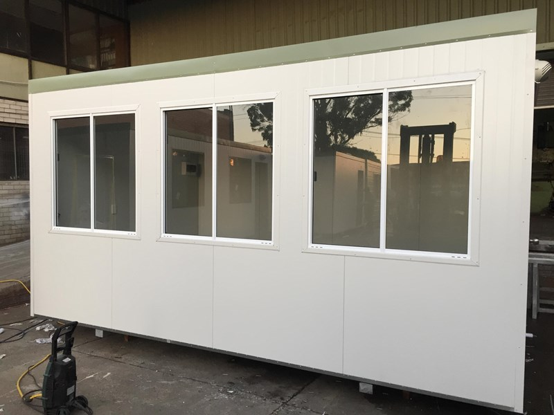 e i group portables 4.8m x 3m control room 367889 001