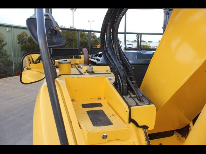 new holland e140c 267912 025
