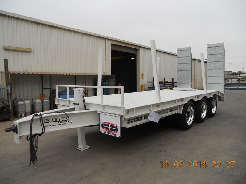 beavertail tri axle 373287 015