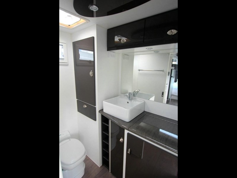 option rv distinction 373413 008
