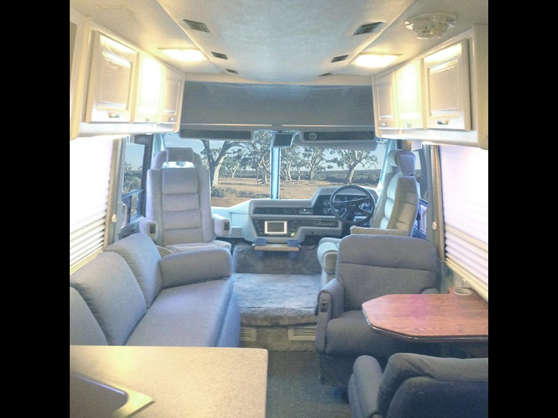 winnebago industries spectrum 2000 250301 003