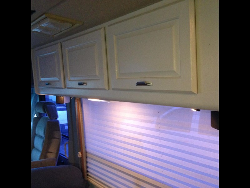 winnebago industries spectrum 2000 250301 011