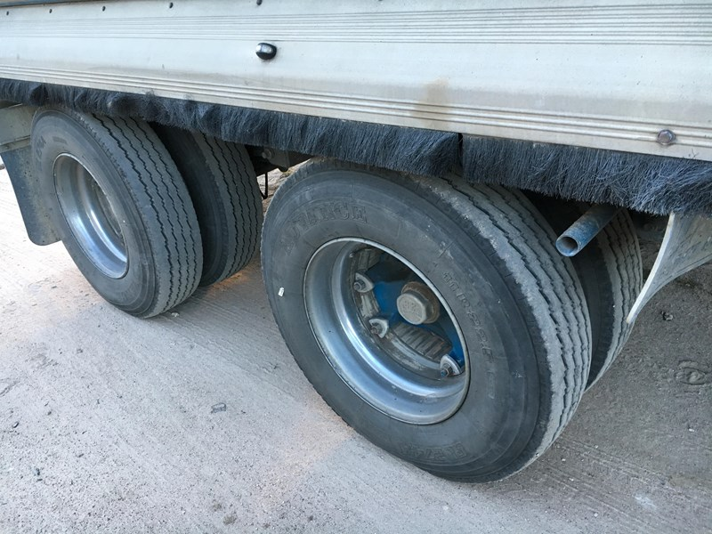 tefco 3 axle aluminium dog tipping trailer 373999 002
