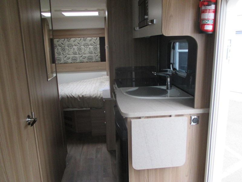 swift bessacarr 494 motor home 373644 011