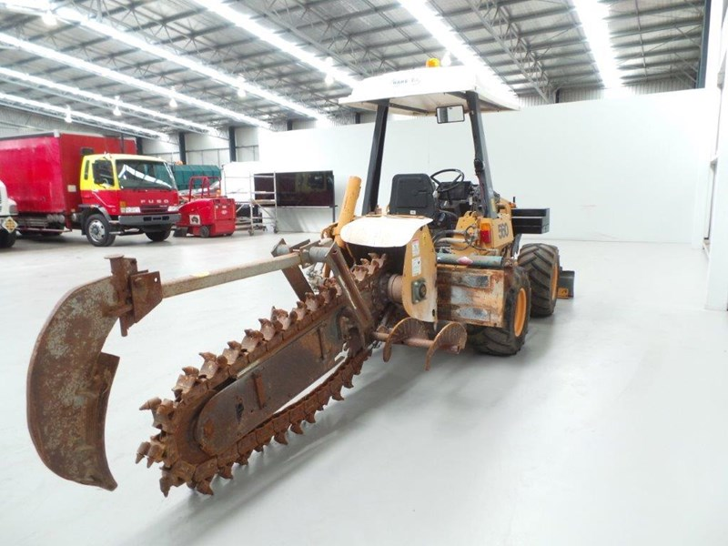 case 560 trencher 376046 013
