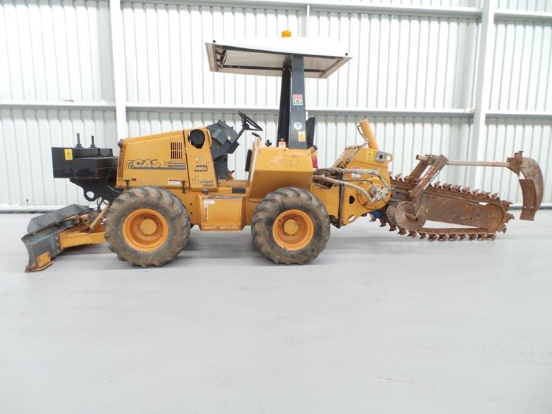 case 560 trencher 376046 007