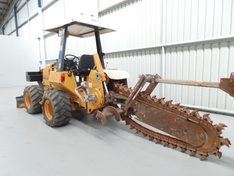 case 560 trencher 376046 009