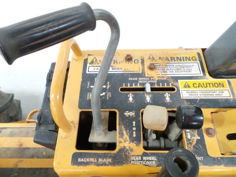 case 560 trencher 376046 031