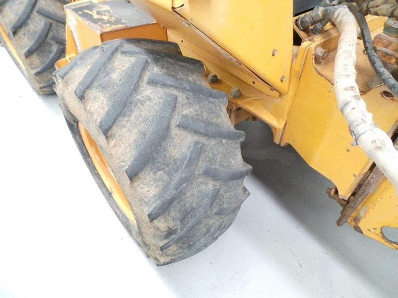 case 560 trencher 376046 021