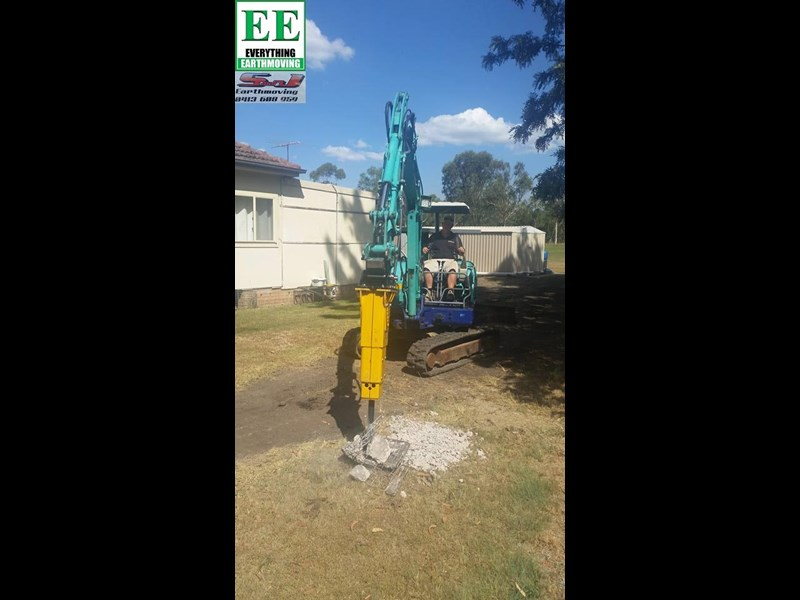 indeco hp200 whisper rock breaker from everything earthmoving 356955 029