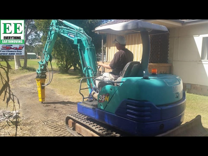 indeco hp200 whisper rock breaker from everything earthmoving 356955 045