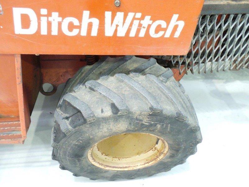 ditch witch 5110dd ride on trencher 376558 021