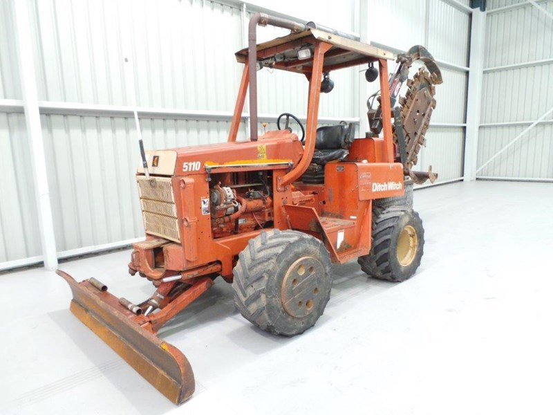 ditch witch 5110dd ride on trencher 376558 001