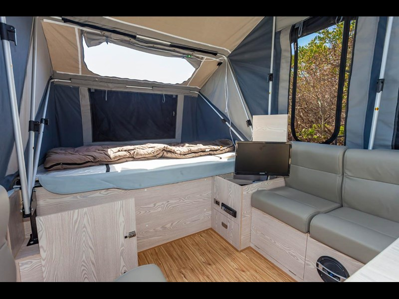 ezytrail lincoln lx hard floor camper 343629 033