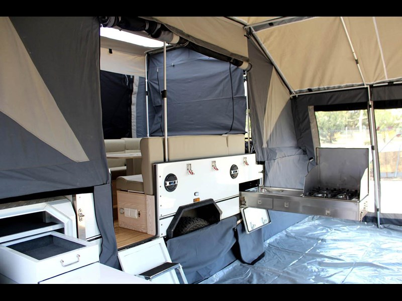 ezytrail lincoln lx hard floor camper 343629 057