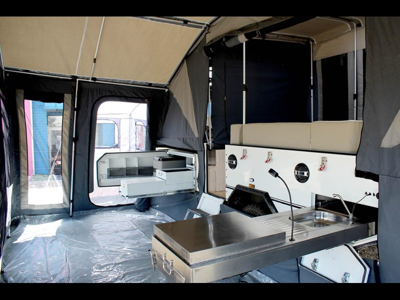 ezytrail lincoln lx hard floor camper 343629 059