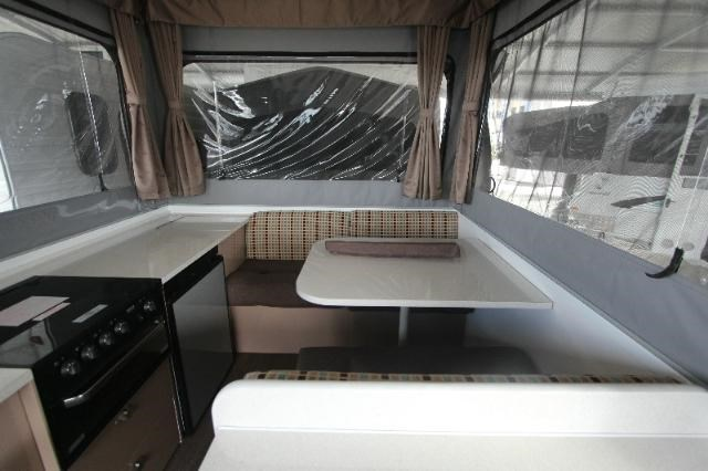 goldstream rv crown 358951 009