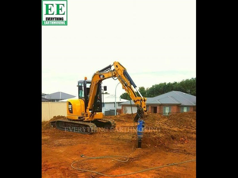 auger torque - augers, auger drives, extensions, hole cleaners, pallet forks, road brooms & trenchers from everything earthmoving 377400 031