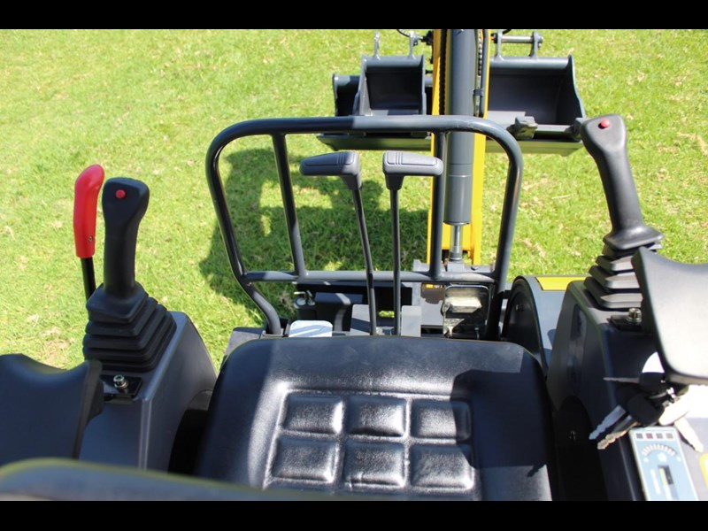 carter ct16 mini excavator yanmar powered 377516 033