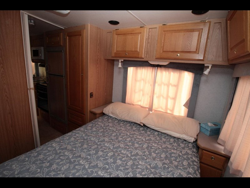 winnebago industries alpine 2855 378379 009