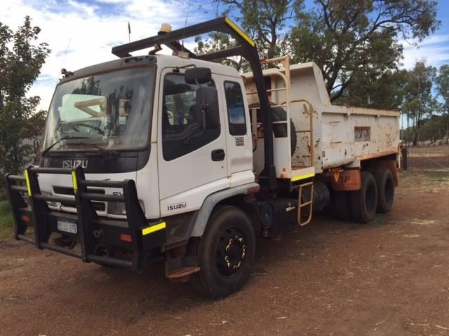 isuzu 6 wheel tipper 378377 001