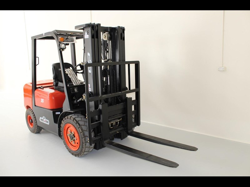 wecan forklift with 3 stage mast container 378369 005